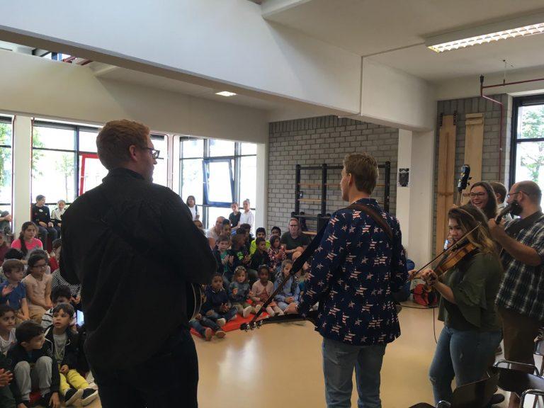 Bluegrass workshop at a school in Rotterdam (Netherlands) for the Rotterdam Bluegrass Festival