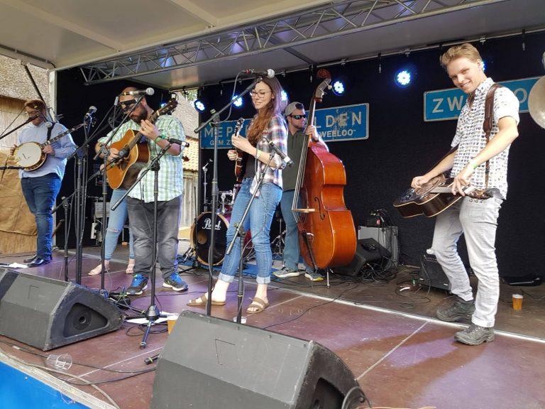 Broke & Dusty at Folk Veur Volk festival in Aalden